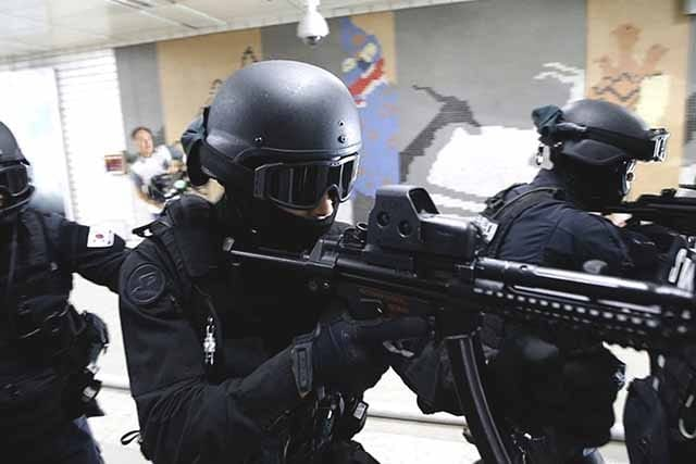 South Korea's anti-terror drill simulated a poison gas attack: video