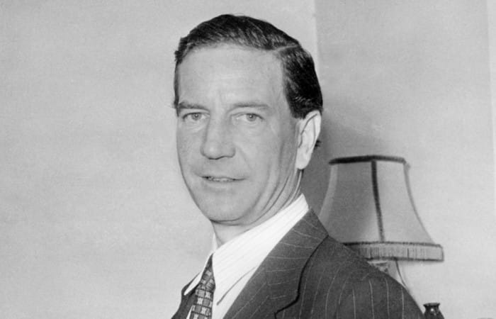 Moscow names square after British double agent Kim Philby