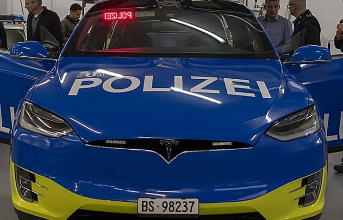 Swiss city of Basel finally rolls out Tesla police cars