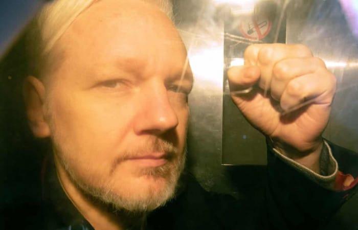 Assange: Sweden to announce decision on rape case