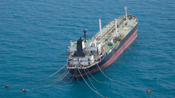 Saudi Arabia supplies 40 water tankers to Yemen