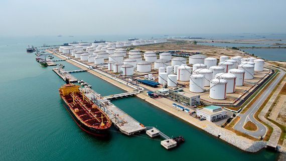 The volume of Iran's unsold stockpiled oil skyrockets