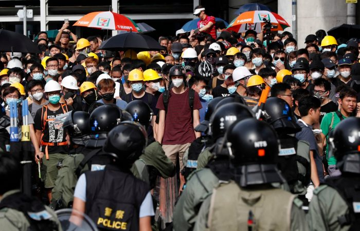 China backs Hong Kong, calls for swift punishment for rioters