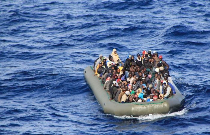 Migrants boat sinks off Libyan coast with dozens missing