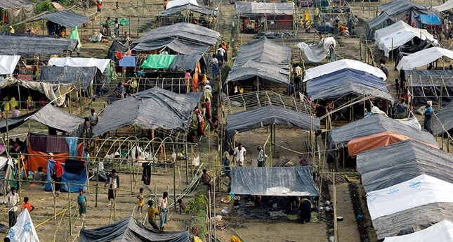 Bangladesh bans cellphone services in Rohingya camps