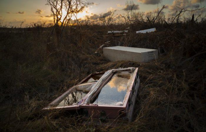 Bahamas: massive clean-up a week after Hurricane Dorian