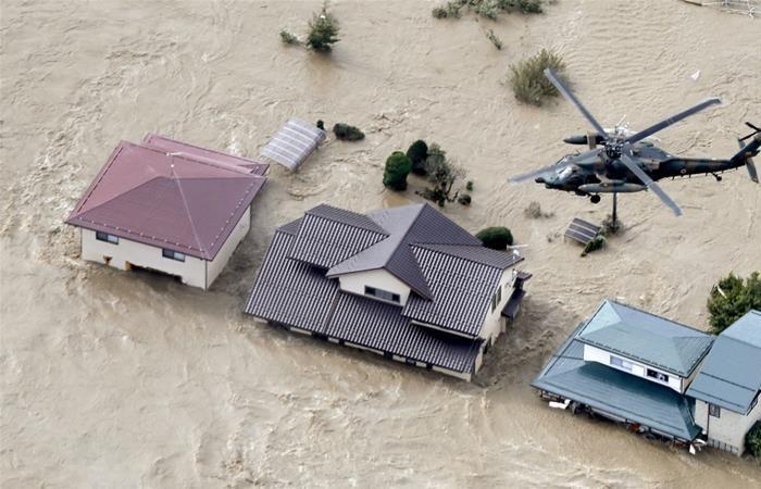 Typhoon Hagibis: massive flooding, landslides, power cuts in Japan