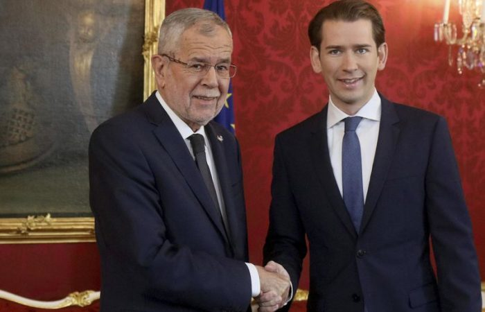 Austria's Kurz has task of putting together new government