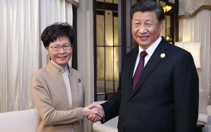 Xi Jinping, Hong Kong leader surprisingly met in Shanghai