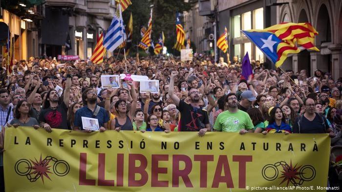 Catalan leader denies ties to jailed radical separatists accused of terrorism