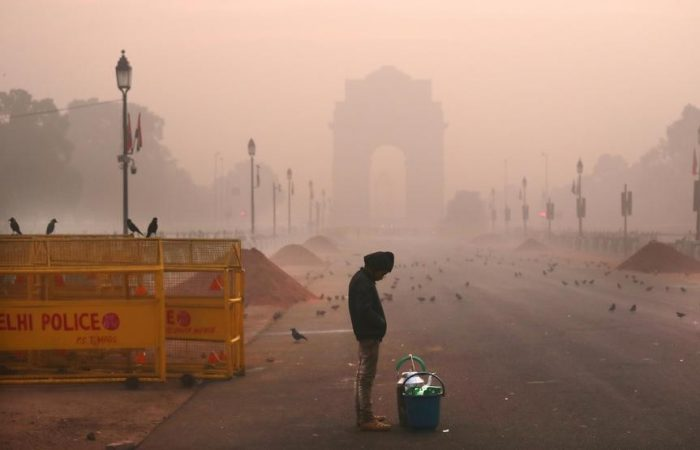 Delhi Pollution: Air quality continues to be in 'very poor' category