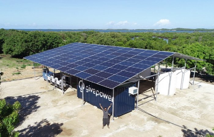 Kenya: first solar-powered system to make ocean water drinkable