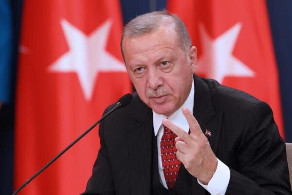 Erdogan blasts Arab states for backing Trump's Middle East plan