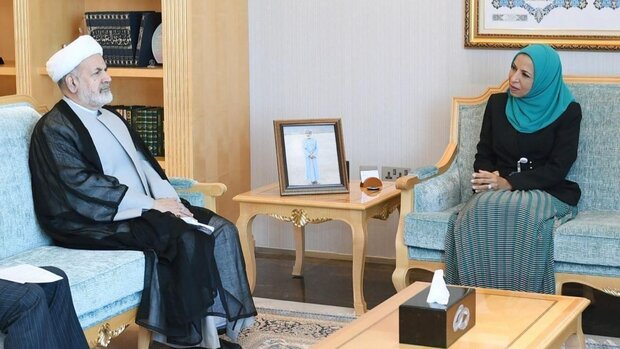 Iran, Oman to boost academic cooperation