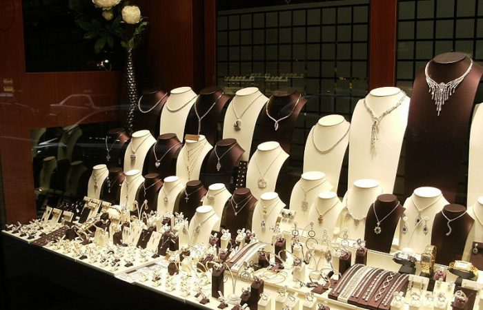 Italy, Uzbekistan may co-op in jewelry production