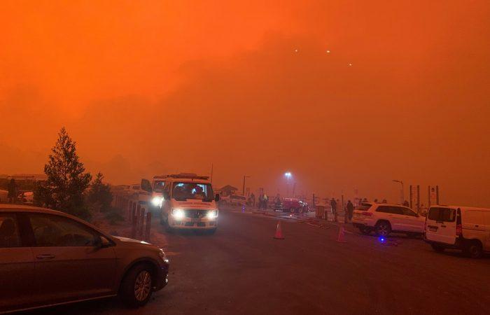 Tourists flee as military sent in to evacuate Australia's wildfire-hit coast