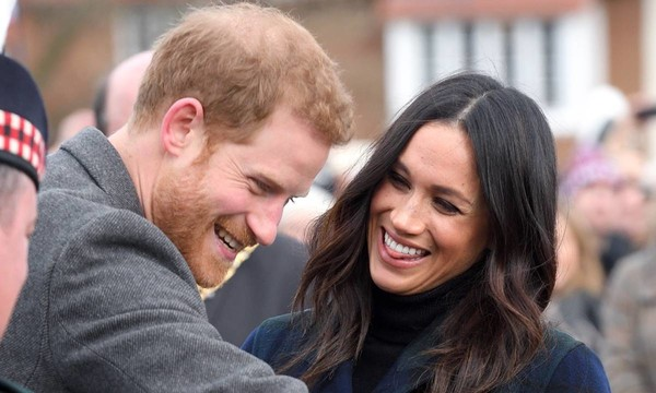 Meghan Markle flies back to Canada in royal rift