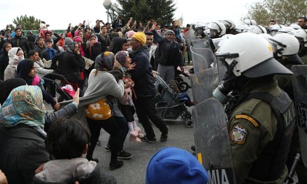 UN calls for urgent evacuation of Lesbos refugee camp