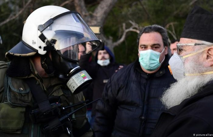 Greek islands shut down in strike: locals protest migrant camps