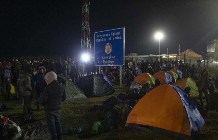Some 200 migrants at Serbia-Hungary border seeking entry