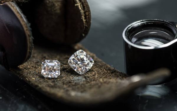 De Beers diamond buyers locked out in Botswana travel ban