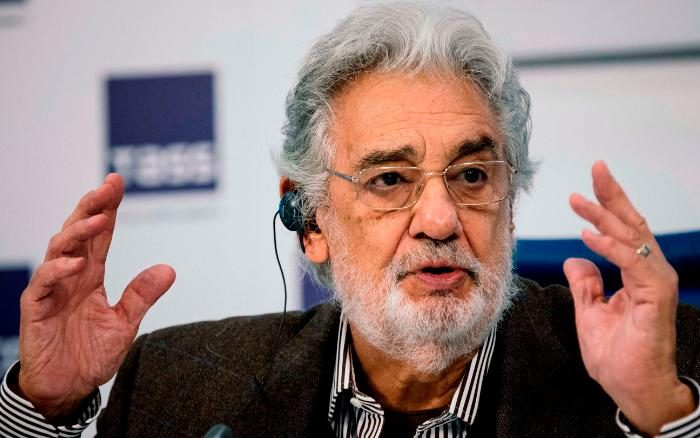 Tenor Placido Domingo apologizes for sexist behaviour while working in LA Opera