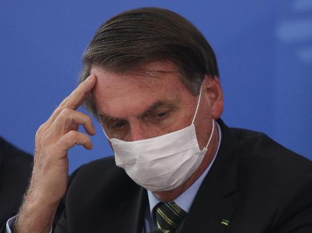 Bolsonaro: Brazil must normalize daily life despite coronavirus