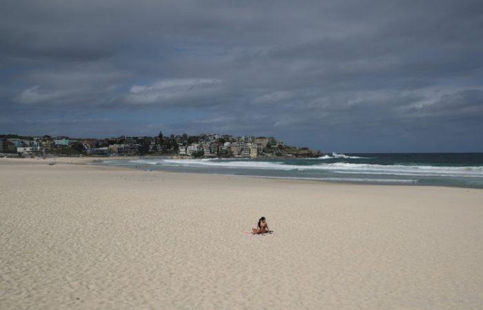 Sydney's Bondi Beach closed after crowds defy coronavirus rules