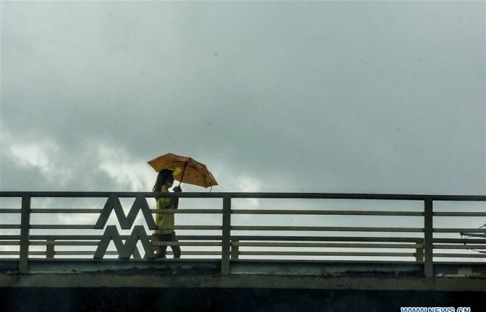Typhoon Vongfong makes landfall in central Philippines