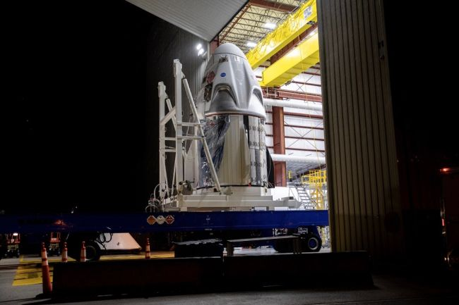 SpaceX's 1st Dragon capsule for astronauts arrives at launch site for historic mission