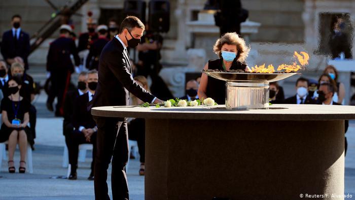 Spain pays homage to coronavirus victims in memorial ceremony
