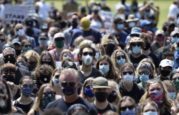 Geneva to make face masks compulsory in all shops
