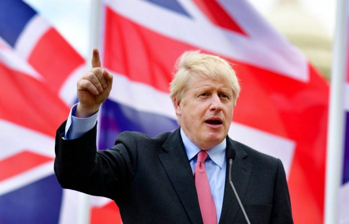 UK PM Johnson uses own struggles with weight to urge country to get fit