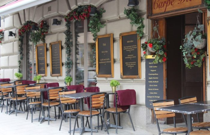 Sweden approves one-metre rule for restaurants, bars and cafes
