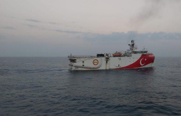 France deploys navy to  Mediterranean amid Greece-Turkey standoff