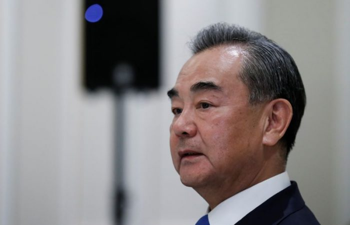 Chinese foreign minister may visit Japan in October
