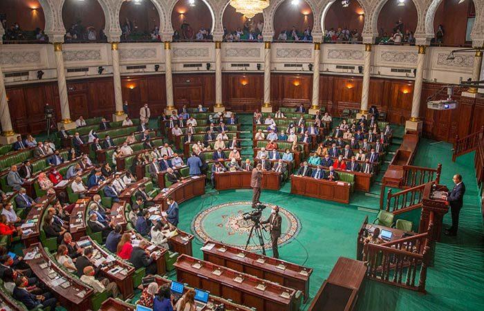 Tunisia MPs approve new government
