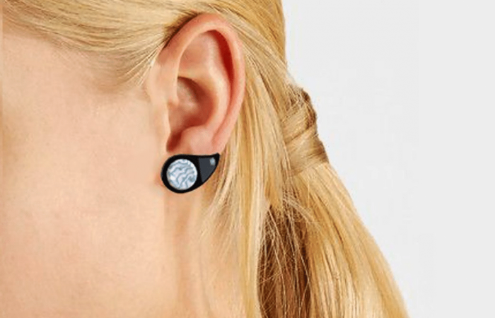 Earring as real-time monitor for blood sugar levels