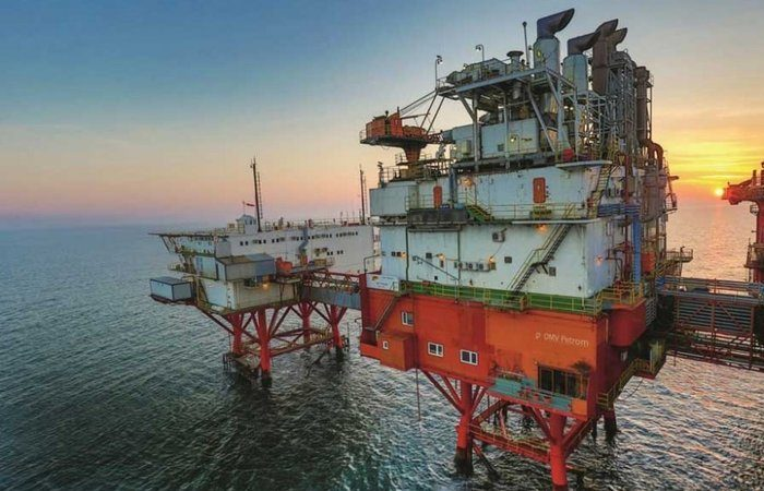 Iranian firms to sign $1.2 bn in deals to boost oil output