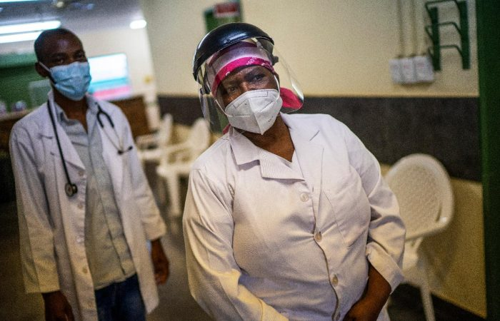South Africa begins vaccination programme