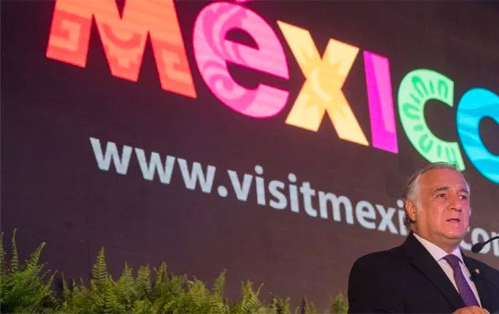 Mexico reports slight improvement in its tourist industry