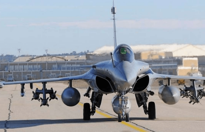 France mulls idea to offer Rafale fighter jets to Ukraine