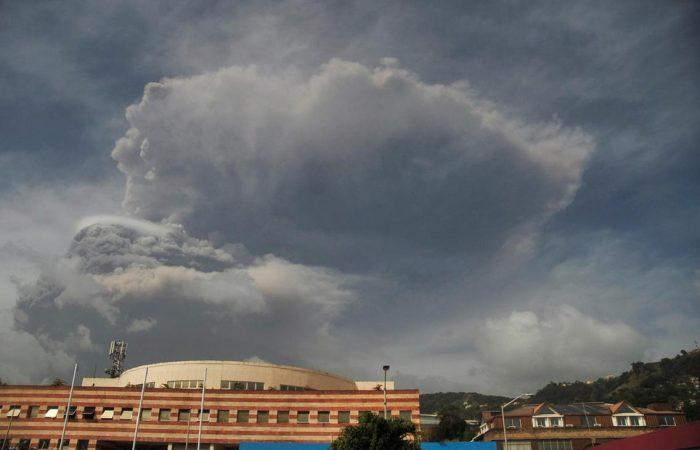 Ash cloud heads towards Barbados after St Vincent volcano eruption