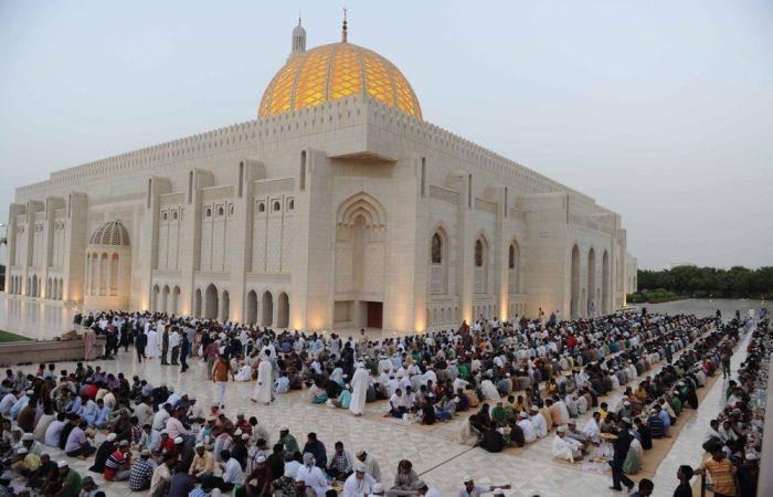 Oman orders evening lockdowns during Ramadan
