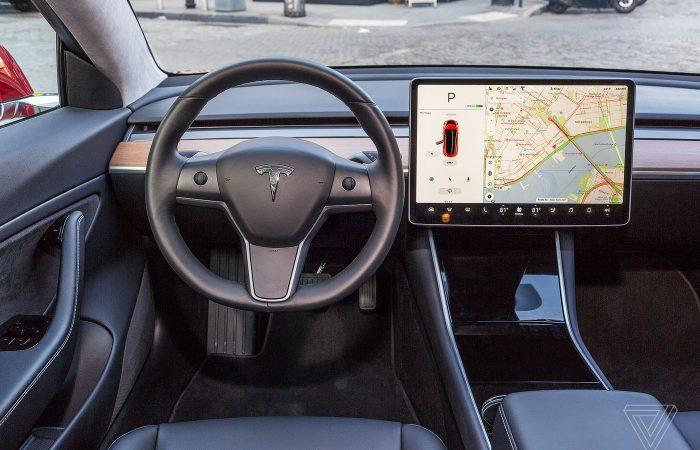 Tesla in fatal California crash may have been in autopilot mode