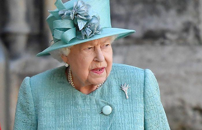 Queen left 'devastated' after death of new dorgi puppy Fergus