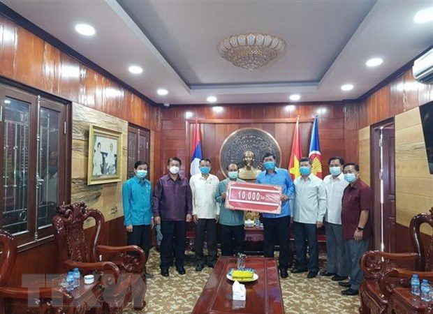 Laos to help Vietnam to fight COVID-19