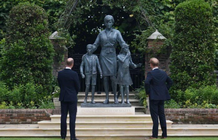 Prince William, Harry unveil statue of Princess Diana