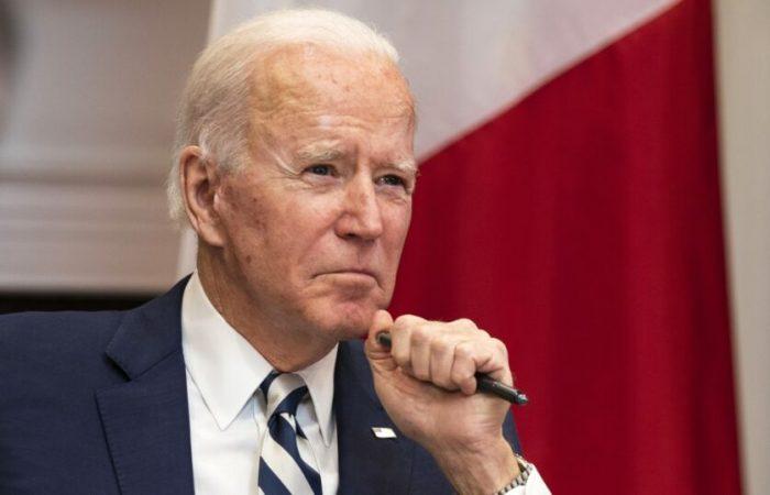 Biden calls Xi to avoid US-China 'conflict'