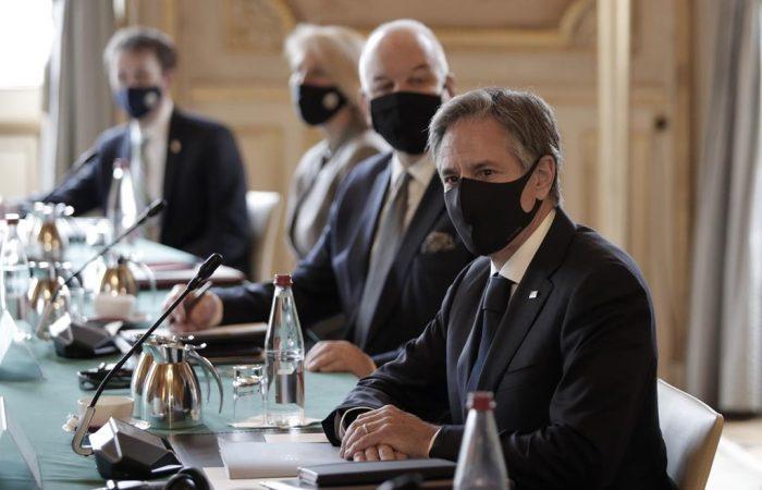 Blinken met Macron as Washington seeks to restore confidence